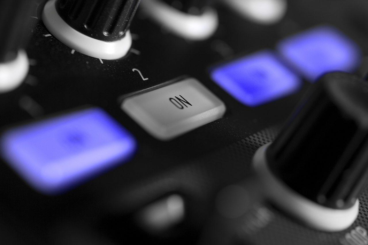 Zomo MC-1000 Controller Review 6
