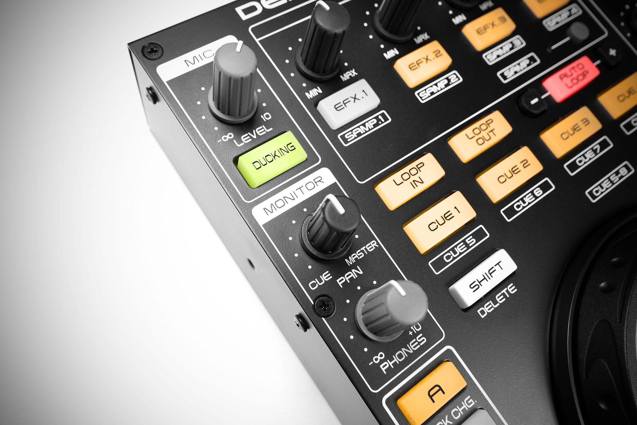 Review Denon Mc 3000 Midi Controller Djworx 30 Ddm To Audio Level Meter Auxiliary Inputs