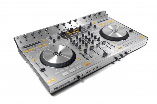 Numark 4Trak Traktor DJ Controller
