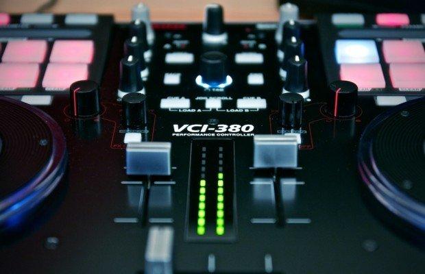 REVIEW – Vestax VCI-380 DJ Controller Part 2