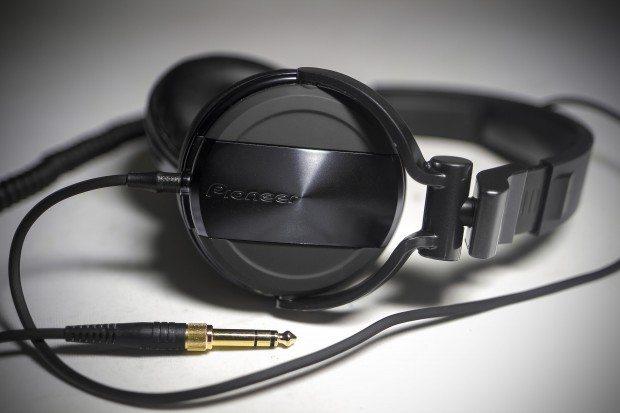 Pioneer HDJ-1500 DJ Headphones Review (11)