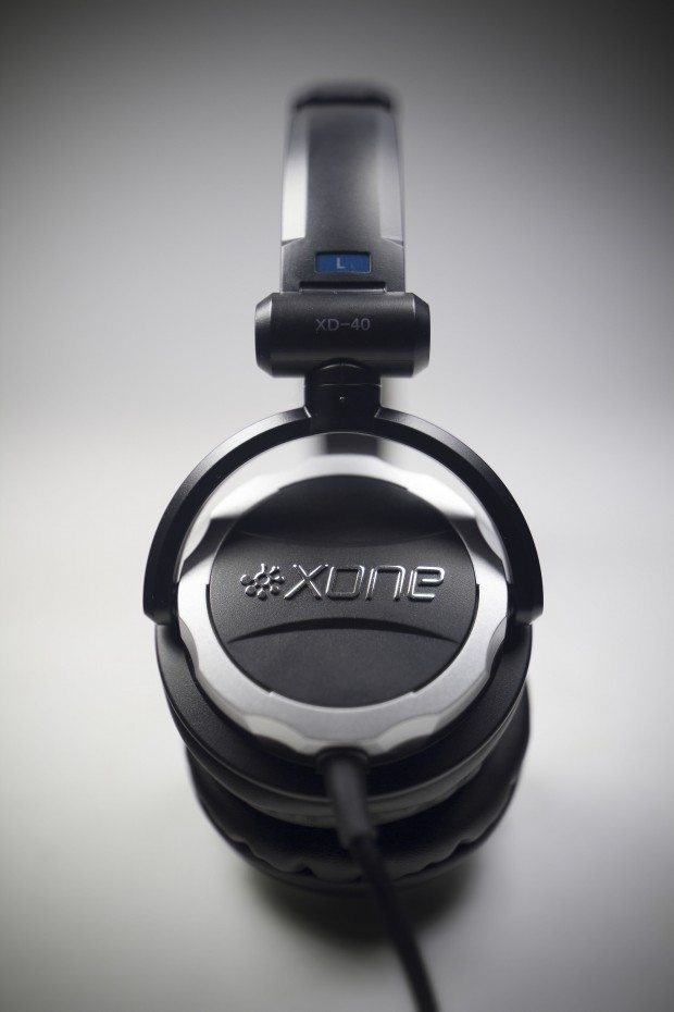 Allen &amp; Heath xone XD-40 DJ Headphones Review (12)