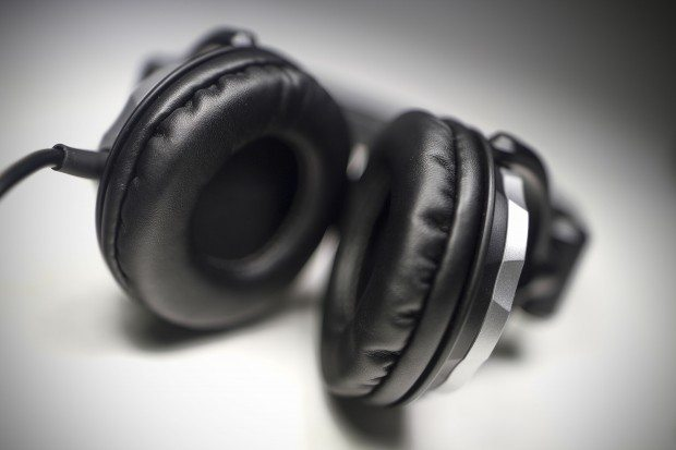 Allen & Heath xone XD-40 DJ Headphones Review (5)