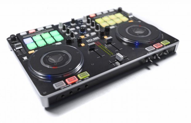 Vestax VCI-380 Serato ITCH DJ Controller review (22)