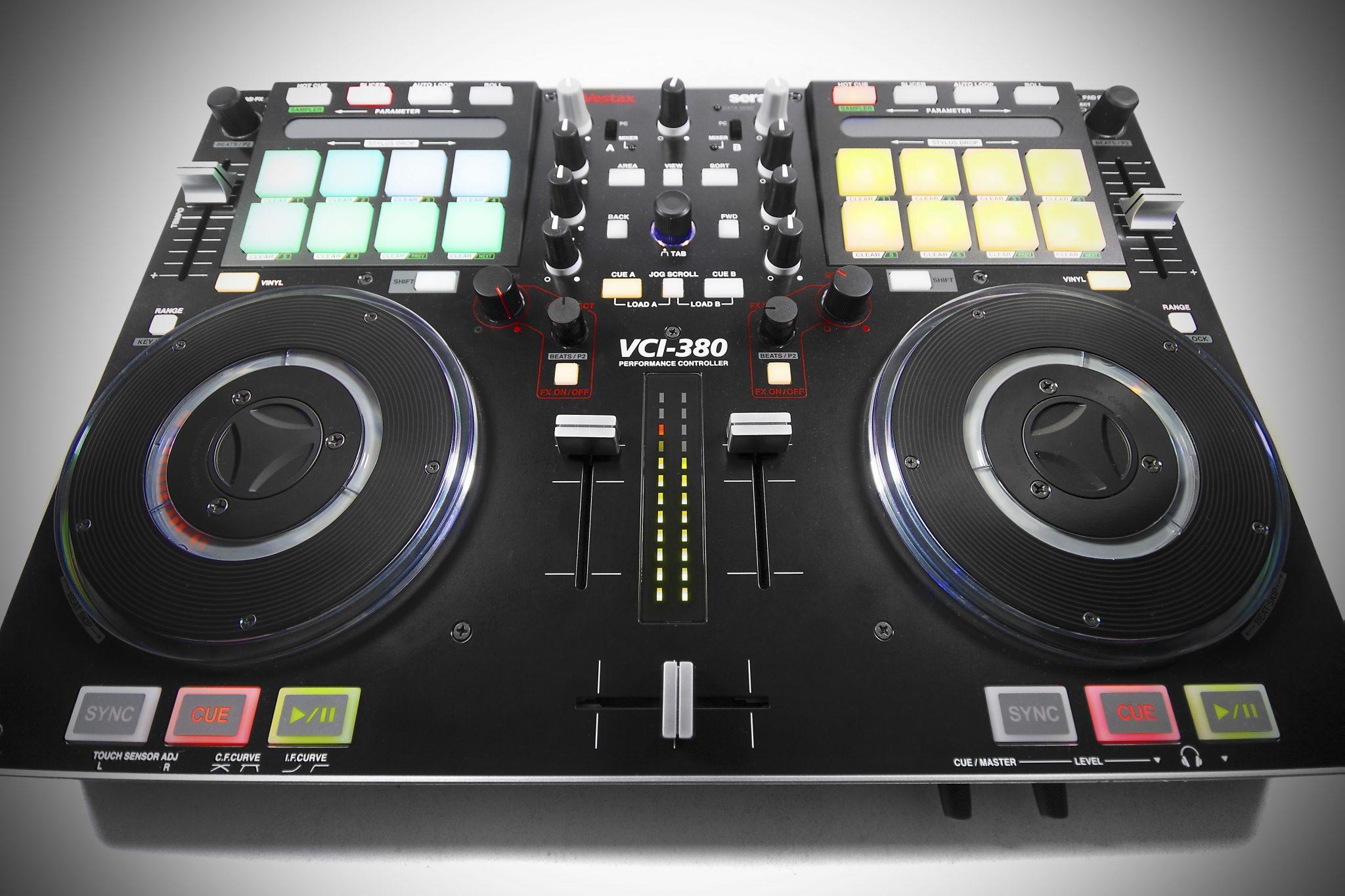 VESTAX VCI 380 SERATO ITCH DJ CONTROLLER