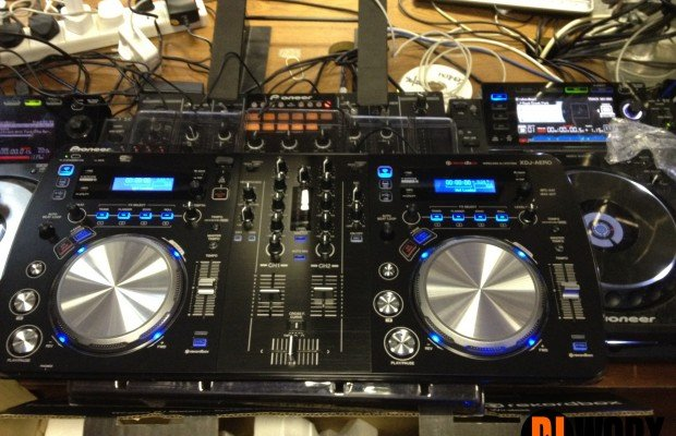 WORLD EXCLUSIVE: Pioneer XDJ-AERO Hands-on Preview