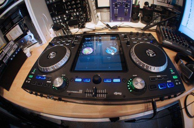 Numark iDJ Pro iPad DJ (2)