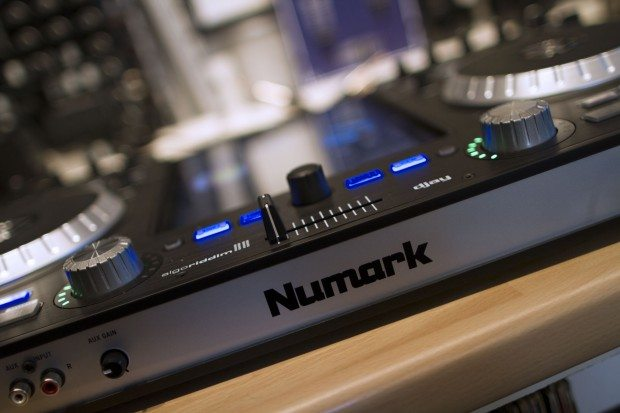 Numark iDJ Pro iPad DJ (1)