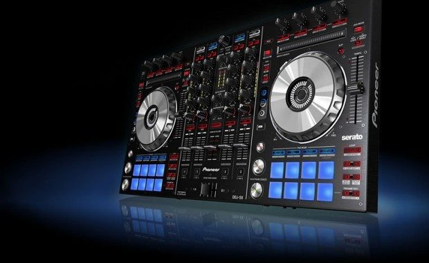 Pioneerr DDJ-SX Serato DJ Controller (1)