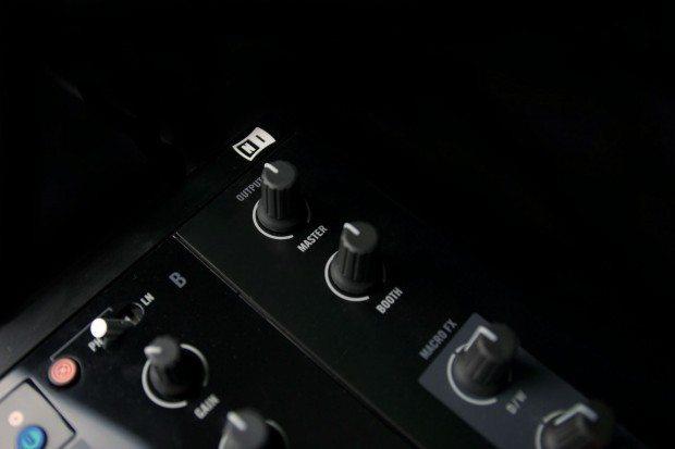 Native Instruments Kontrol Z2 mixer (20)