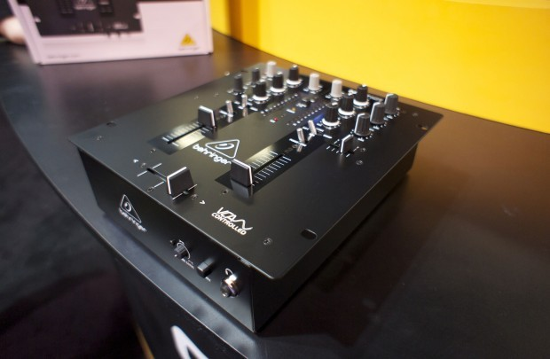 Behringer NOX 101 mixer NAMM 2013 (6)