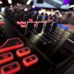 Behringer CMD modular controllers Deckadance 2 NAMM 2013 (5)