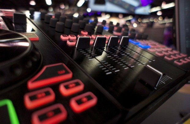 NAMM 2013: Behringer CMDs — Midi Fighter Classic Ready
