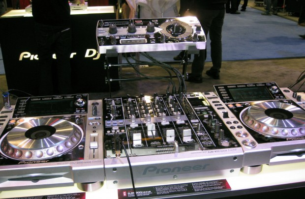 Pioneer Platinum limited edition nexus NAMM 2013 (4)