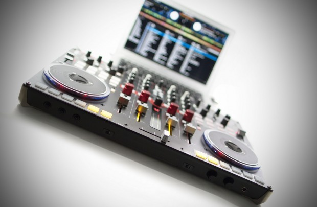 Vestax VCI-400 Serato DJ upgrade