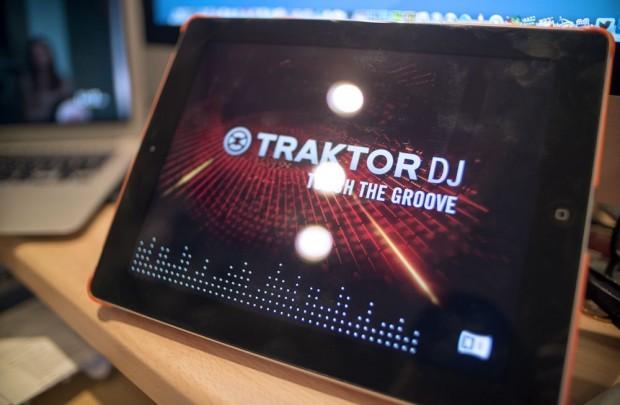 Traktor hits the tablet — Traktor DJ