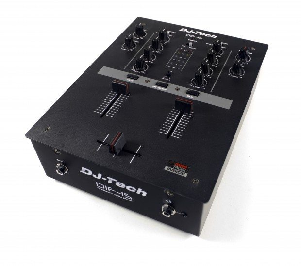 DJ Tech DIF-1S Scratch Mixer with mini innofader review (26)