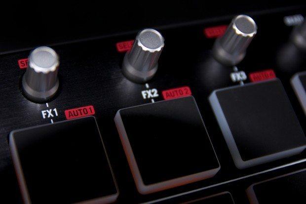 Numark Mixtrack pro II dj controller review (16)