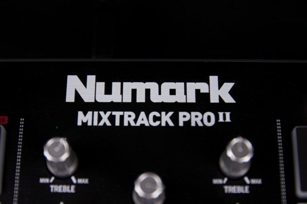 Numark Mixtrack pro II dj controller review (18)