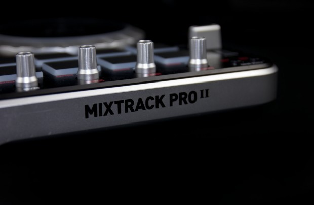 Numark Mixtrack pro II dj controller review (2)