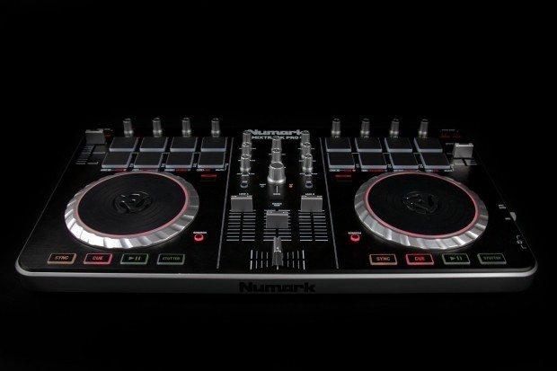 Numark Mixtrack pro II dj controller review (14)