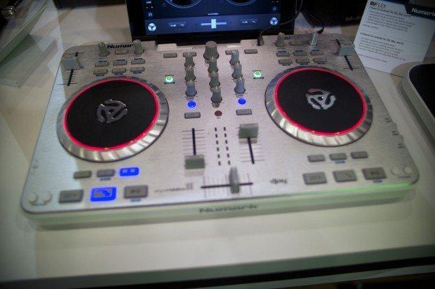 Numark iDJ Flex ios dj controller musikmesse 2013 (1)