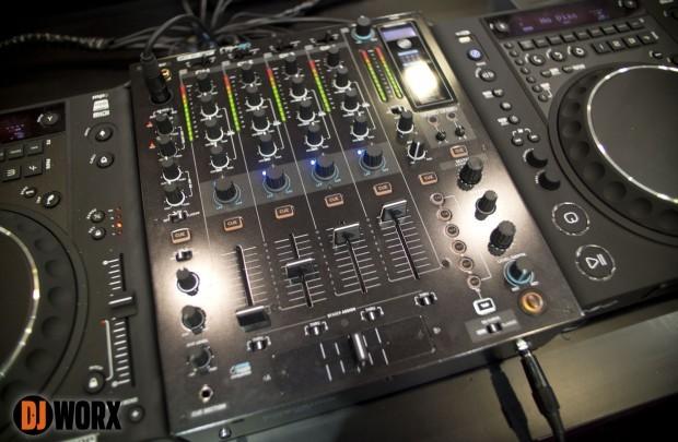 EXCLUSIVE: Musikmesse 2013 — Reloop RMX-80 Mixer