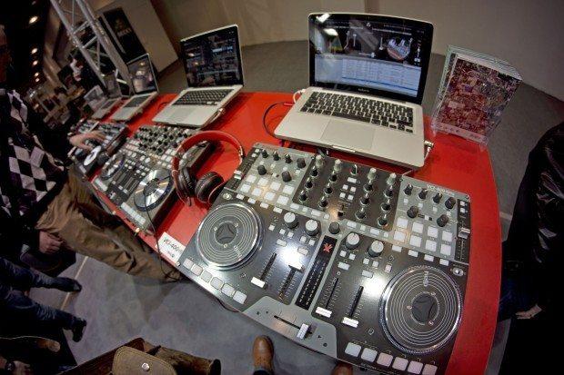 Vestax VCI-400 Serato DJ Deckadance djay Traktor Musikmesse 2013 (13)