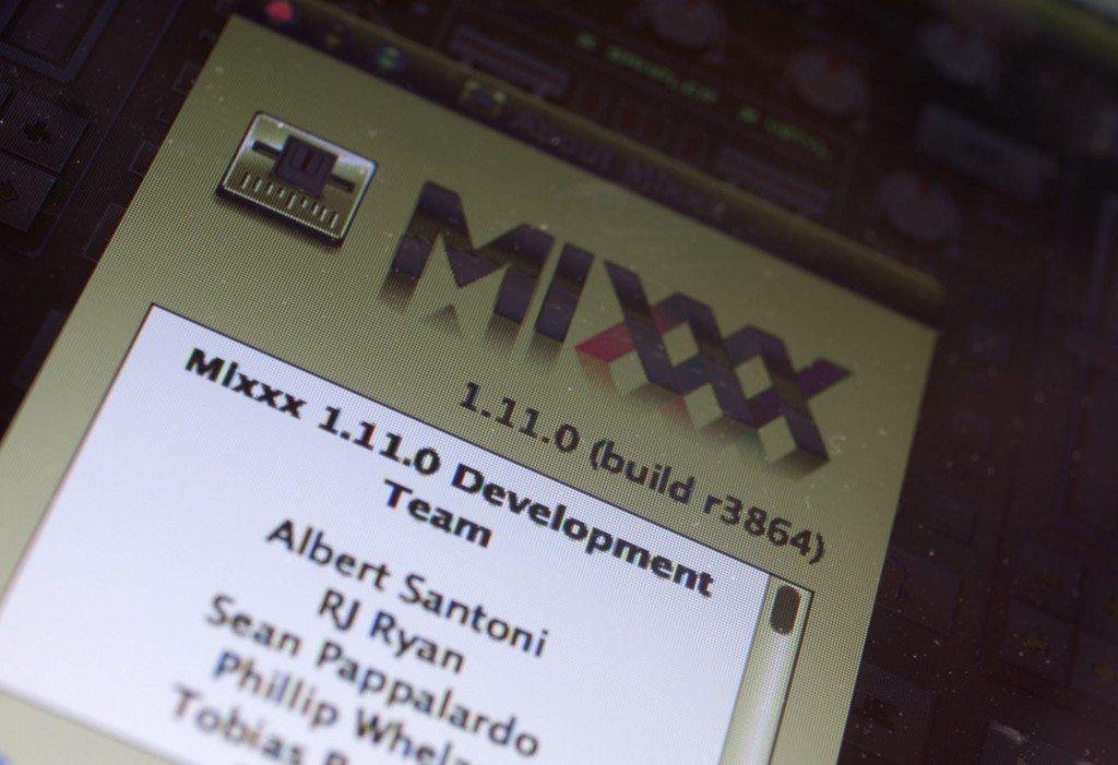 Mixxx open source DJ software 1.11.0