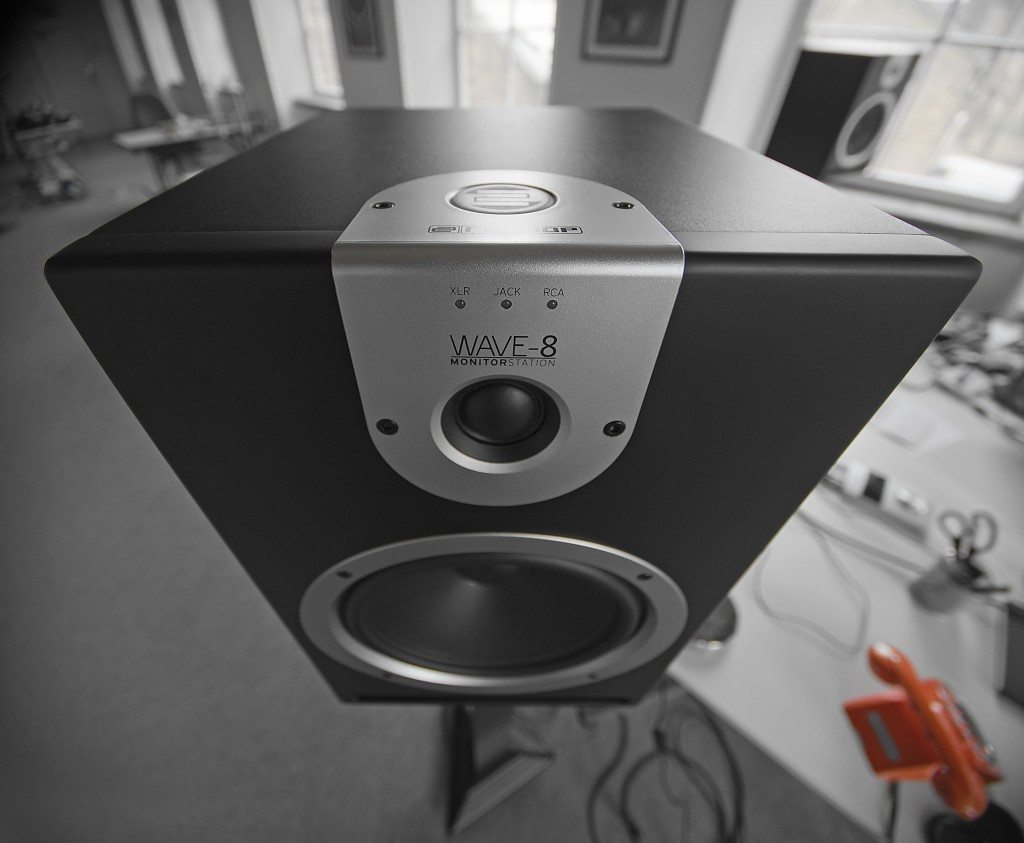 Reloop Wave 8 studio monitor review (8)