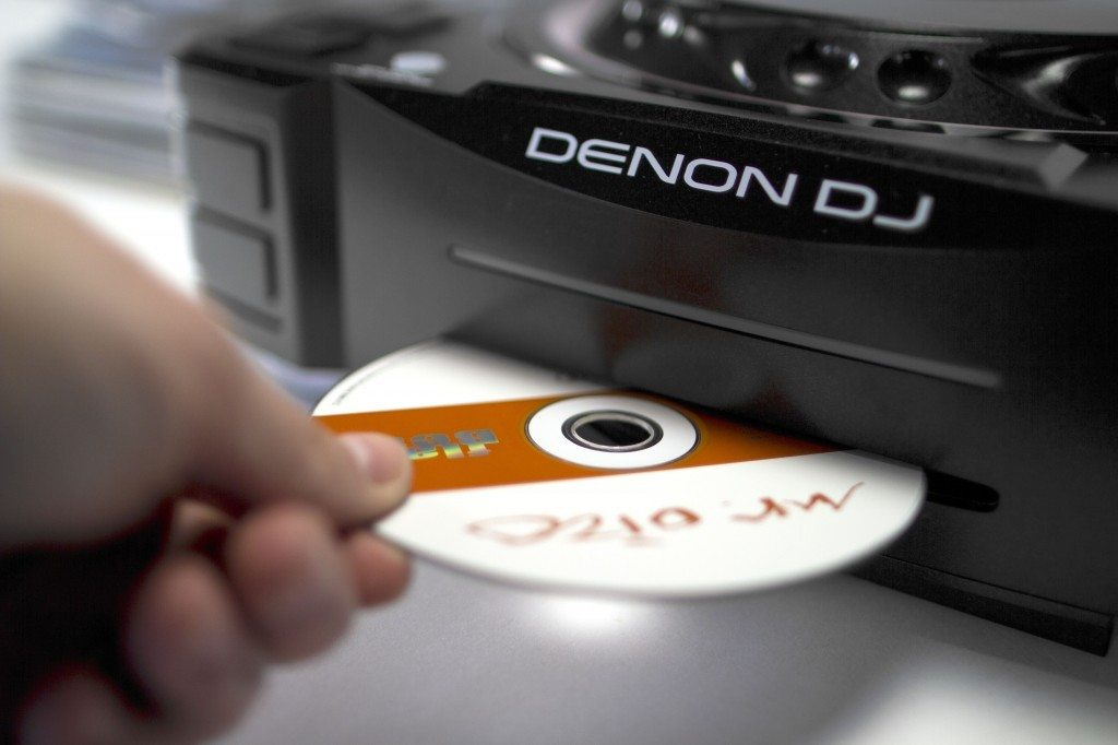 Are CDs dead to DJs? (3)