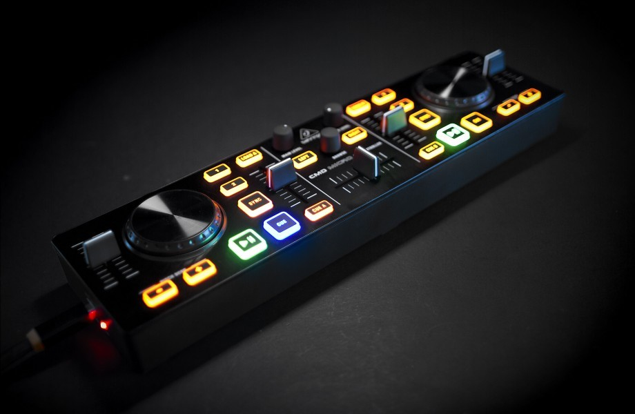 REVIEW: Behringer CMD Micro DJ Controller