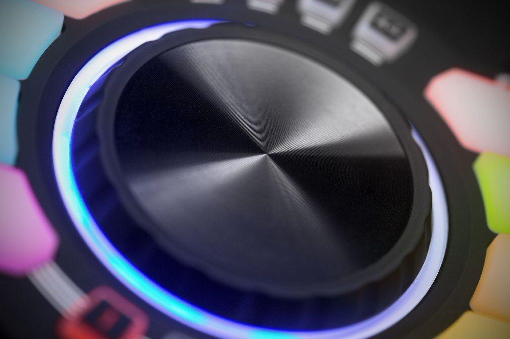 Numark Orbit wireless DJ handheld MIDI controller review (10)