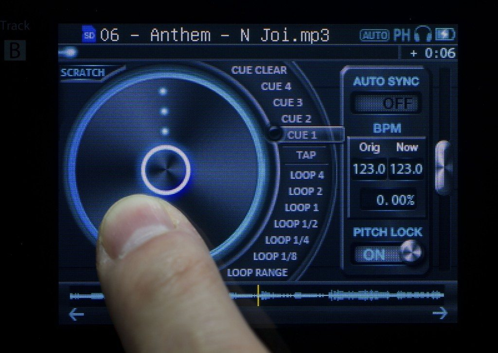 JD sounds anymode PDJ handheld DJ player review (27)