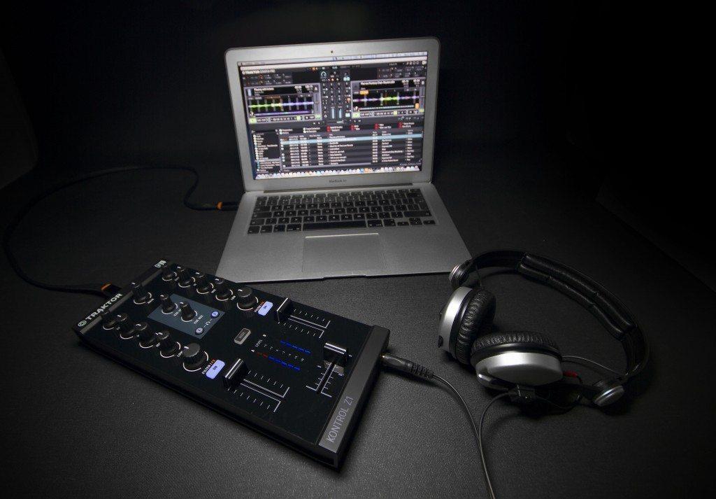 Native Instruments Traktor Kontrol Z1 DJ controller Review iOS iPad iPhone (7)