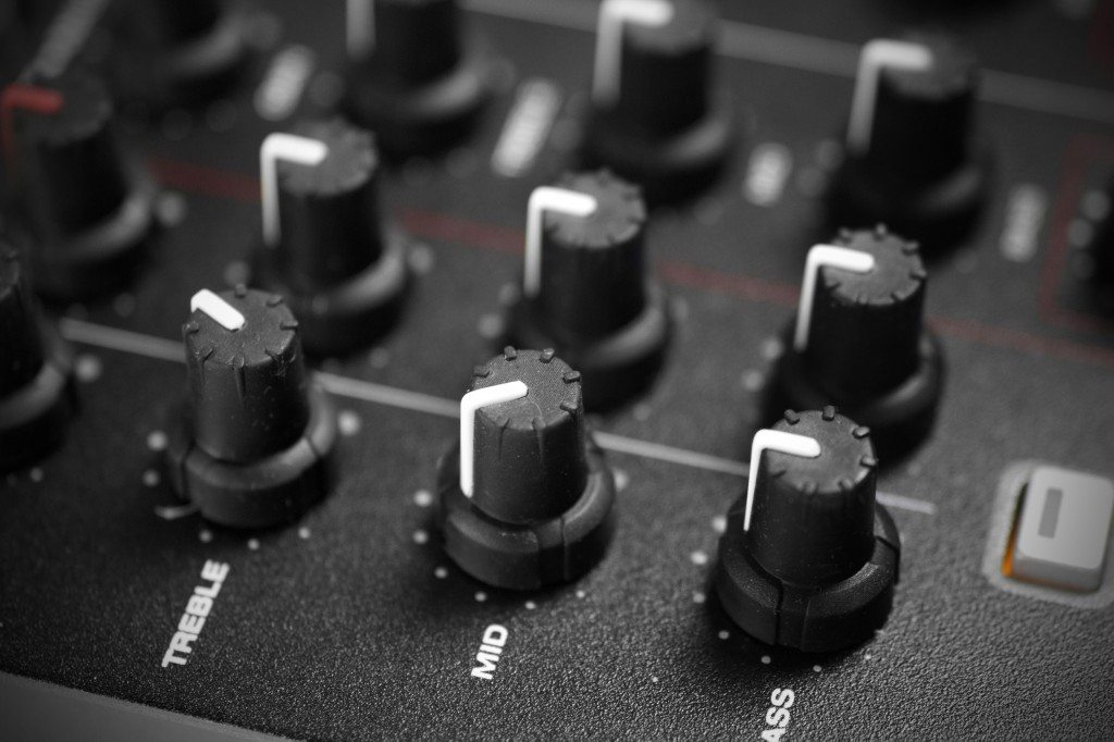 American Audio 14 MXR DJ controller mixer review (13)