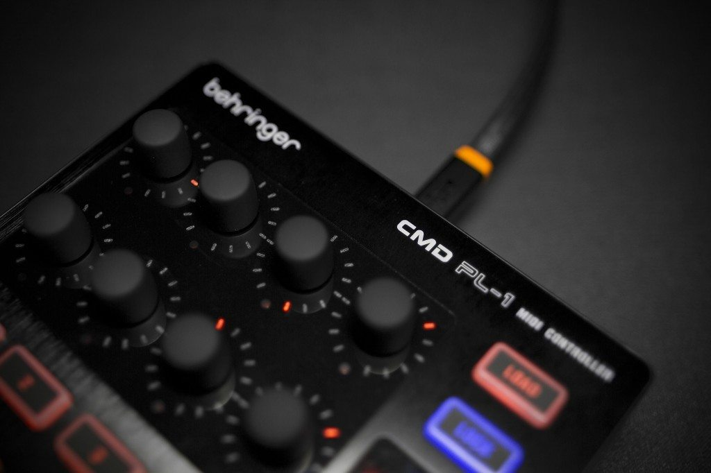 Behringer CMD Micro DJ Controller Review (18)