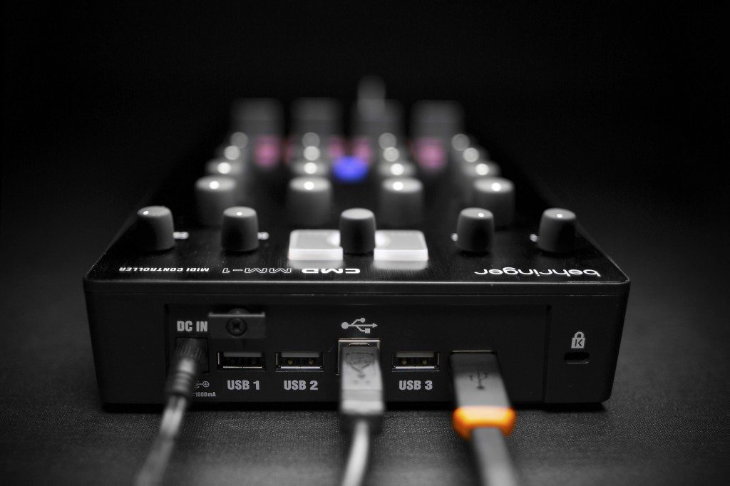 Behringer CMD Micro DJ Controller Review (14)