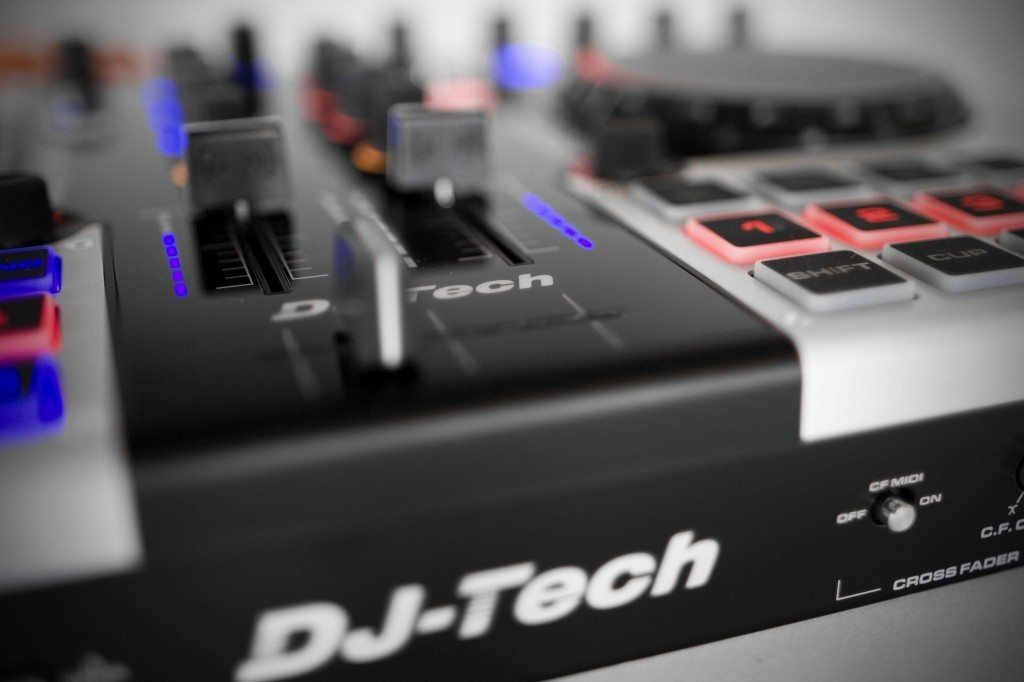 DJ Tech Dragon Two controller review (6)