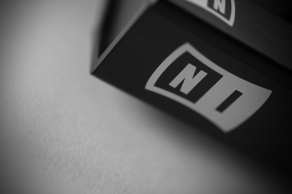 Native Instruments Traktor Kontrol X1 MK2 DJ Controller Review (8)