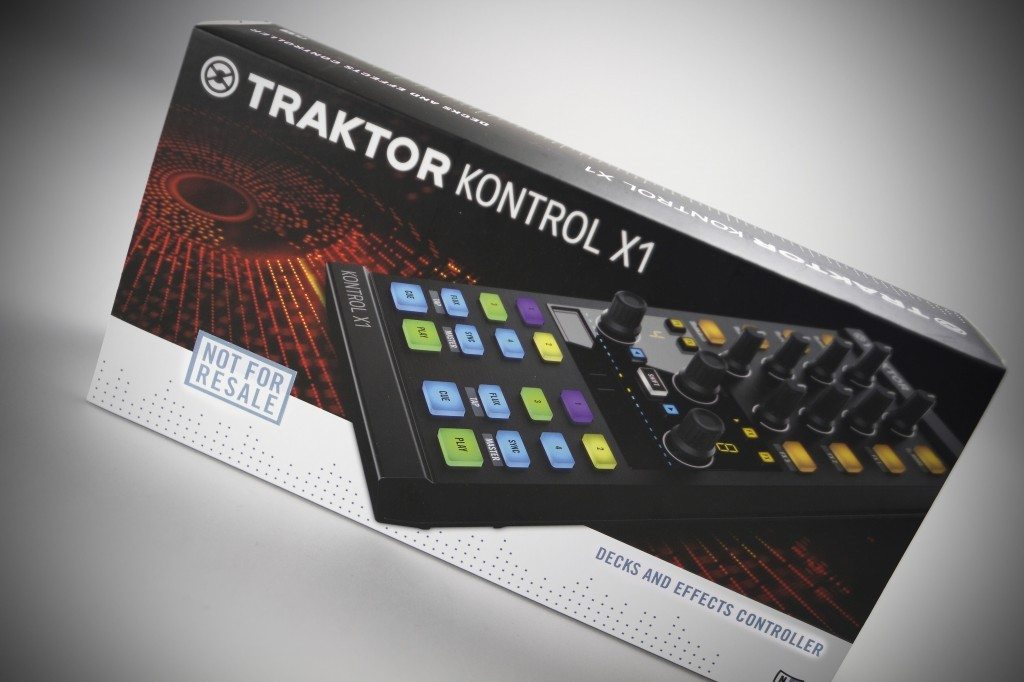 Native Instruments Traktor Kontrol X1 MK2 DJ Controller Review (7)