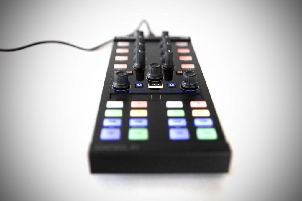 Native Instruments Traktor Kontrol X1 MK2 DJ Controller Review (4)