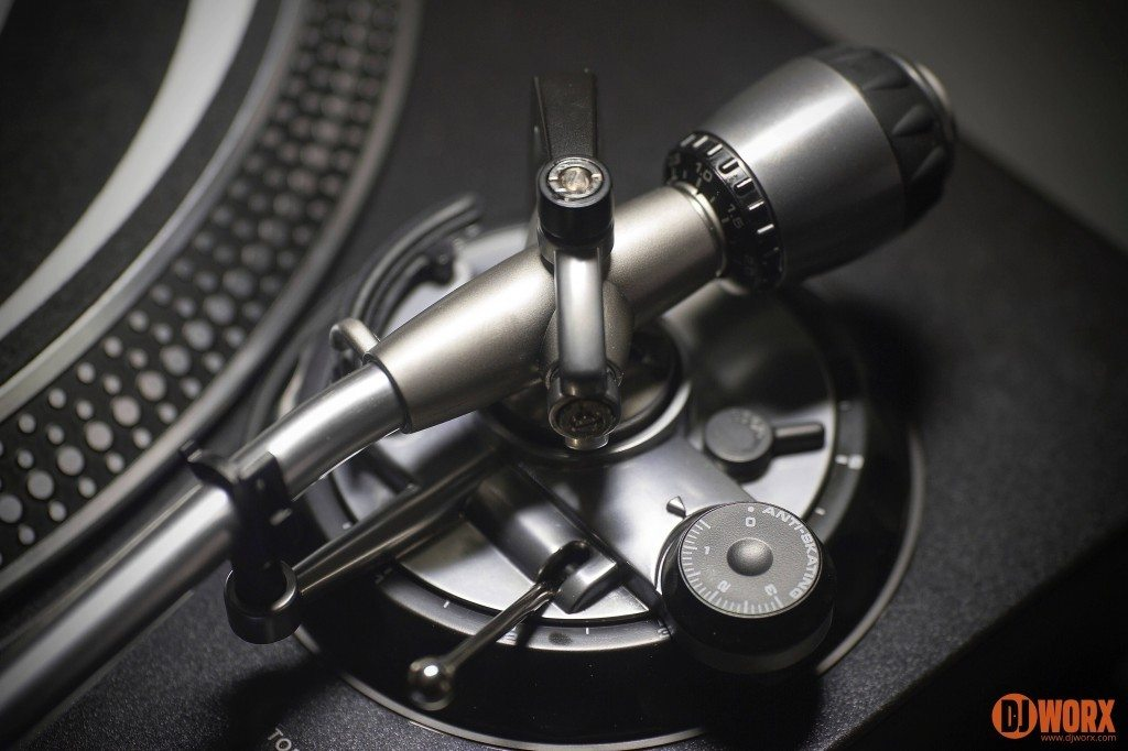 Reloop RP-8000 RP-7000 MIDI DJ Turntable review (18)