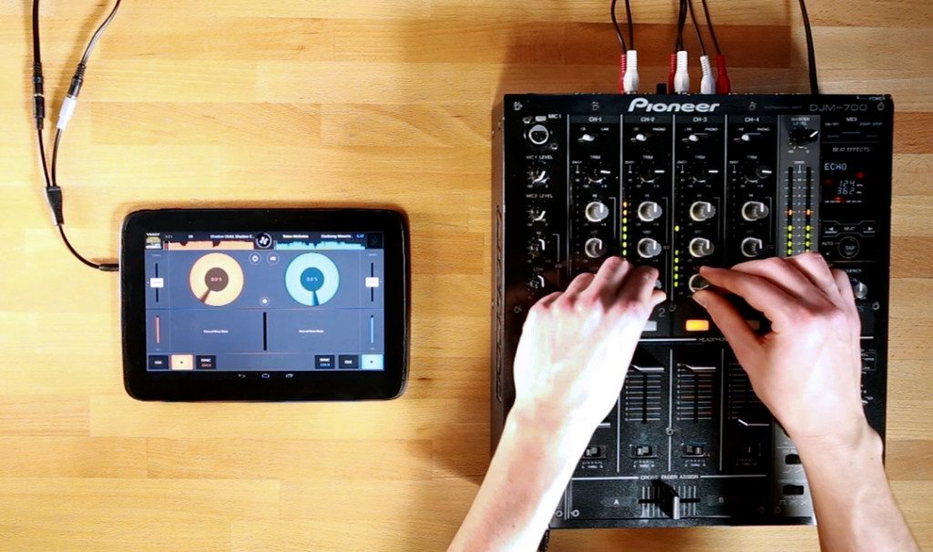 Mixvibes Cross DJ for Android External mixer