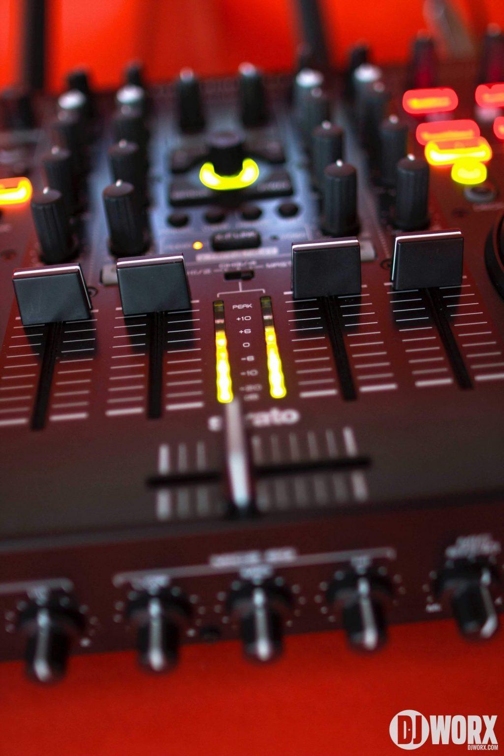 Denon DJ MC6000 mk2 MC6000mk2 Controller Serato DJ Intro Review (17)