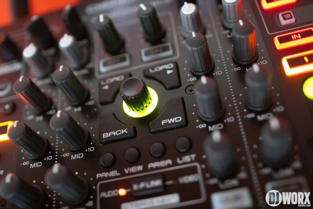 Denon DJ MC6000 mk2 MC6000mk2 Controller Serato DJ Intro Review (15)