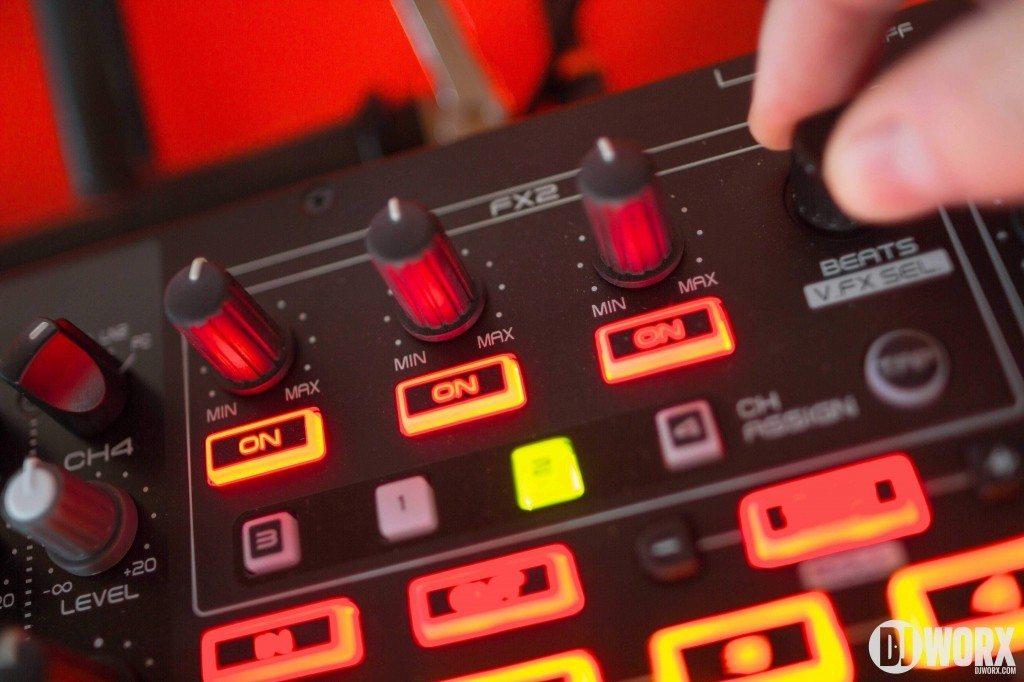 Denon DJ MC6000 mk2 MC6000mk2 Controller Serato DJ Intro Review (13)