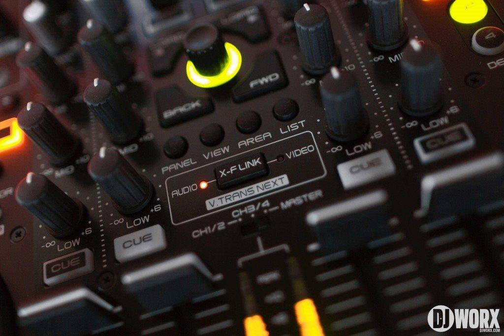 Denon DJ MC6000 mk2 MC6000mk2 Controller Serato DJ Intro Review (12)