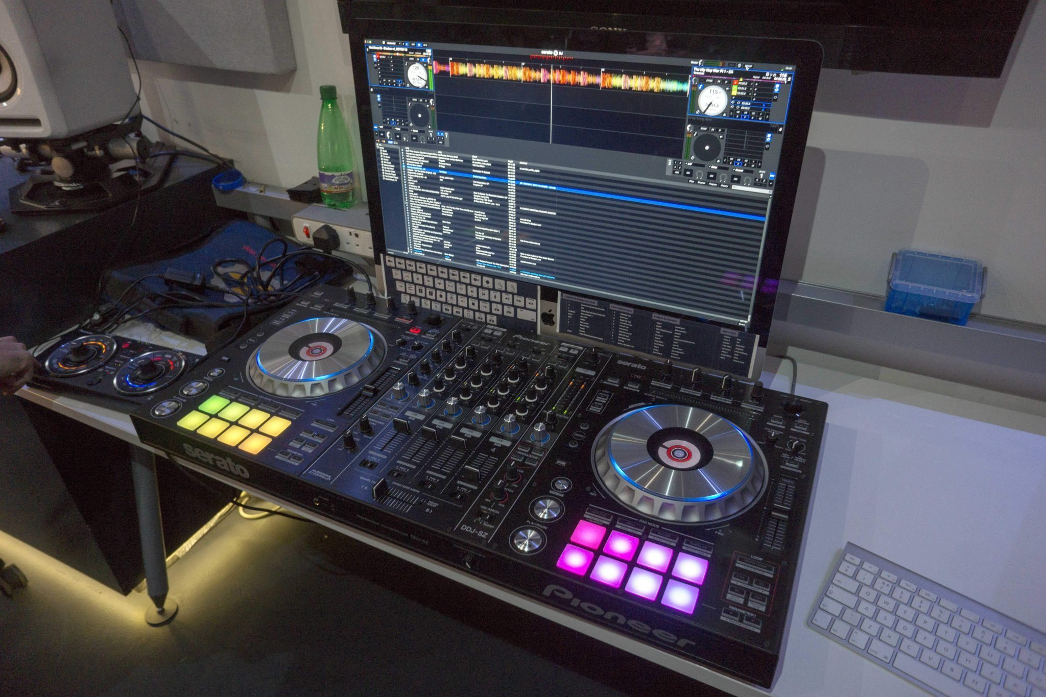 my brief play with the pioneer ddj sz insert air horn here djworx