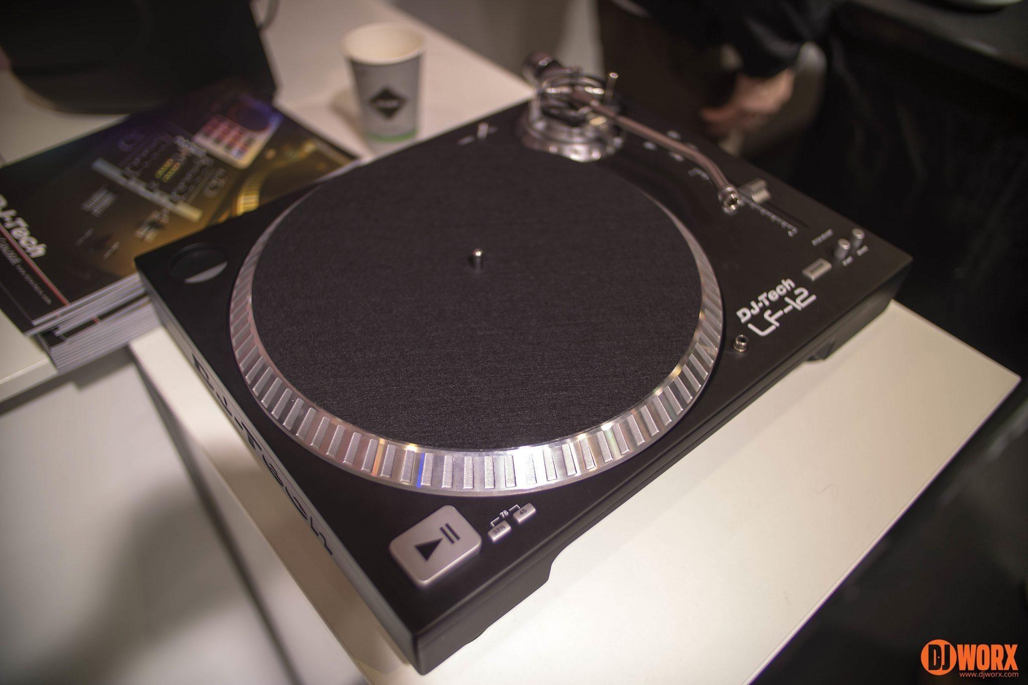 Superb DJ Tech LF 12 Turntable Musikmesse 2014 (3)
